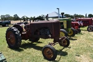 Tractorsinrow17